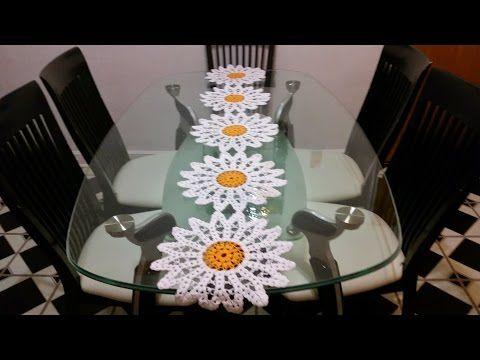 Margaritas en camino de mesa 1 en crochet youtube for Camino de mesa elegante en crochet
