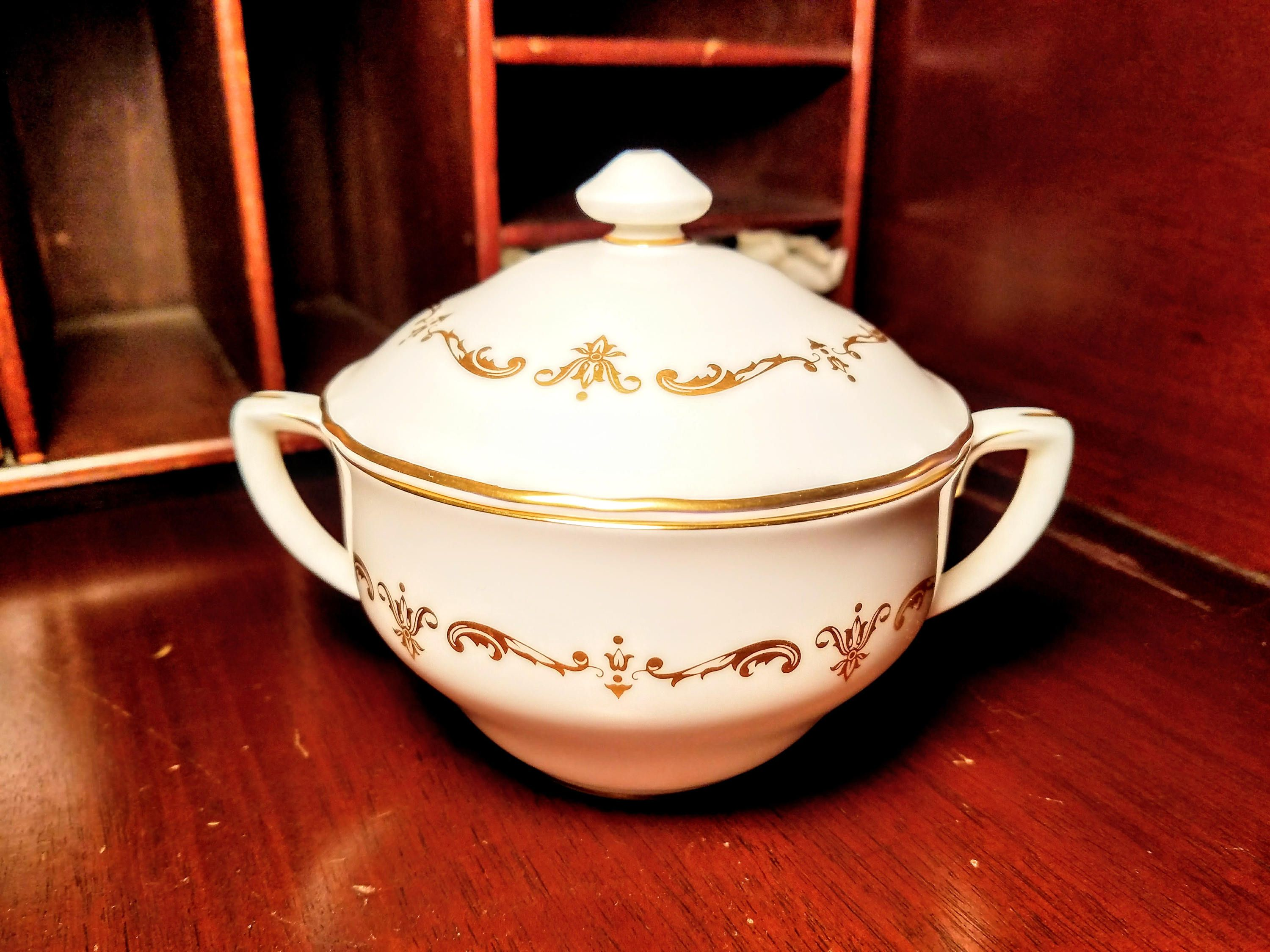 Royal Worcester Gold Chantilly Covered Sugar Bowl, Sugar Bowl with ...