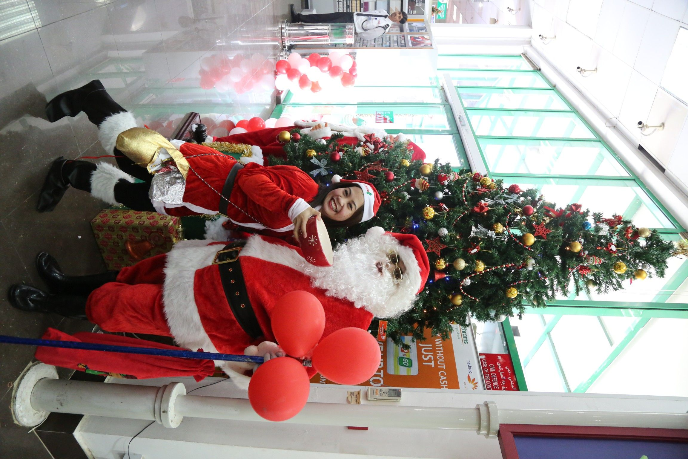 Christmas Christmascollection Dubai Dxb Choithrams Festivegoodness Seasonsgreetings Mydubai Uae Christmas Celebrations Holiday Decor Seasons Greetings