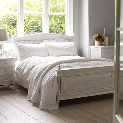 Shabby Chic Grey Bedroom/love The Bed!