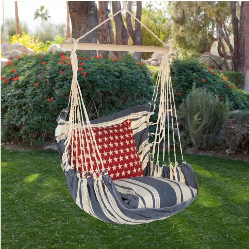 Diese gepolsterte Hängematte wie Stuhl ist gemütlich und macht Spaß. Die extra-Polsterung auf dem Sitz sorgt für Komfort und, dass Sie noch frei, schwingen über dem Boden aufgehängt können hinzugefügt.