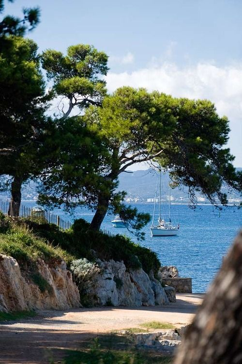 acourseofevents:  Iles de Lérins - French Riviera (via Pin by Back Stage on Cote d'Azur & Provence - France - | Pinterest)