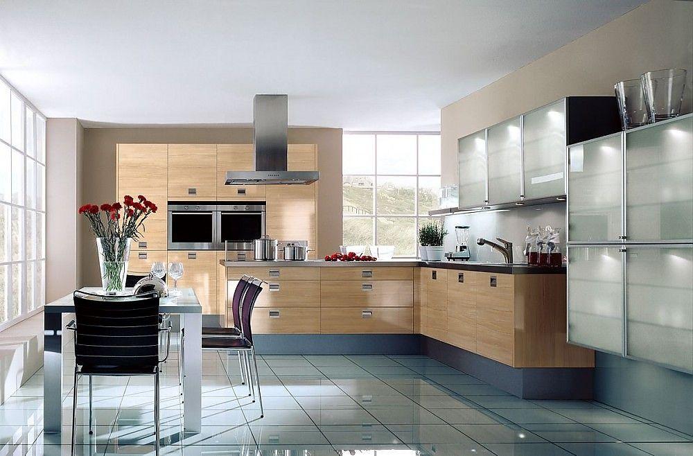 LForm Küche und Hochschränke aus Kernbuche, Hängeschränke