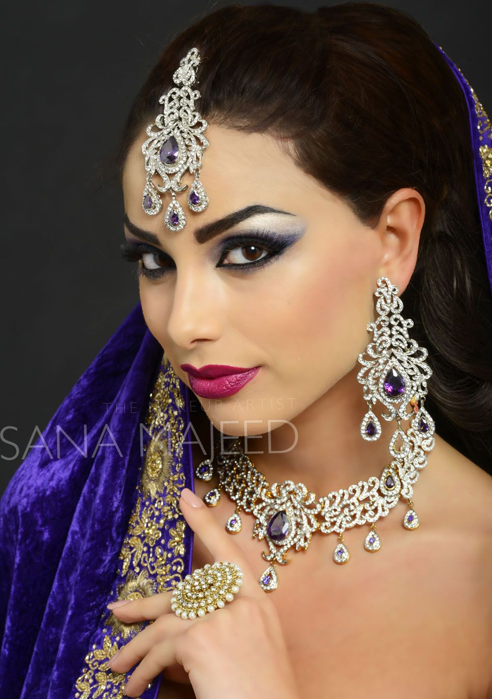 Strong eye makeup, bold lips, perfect for a wedding, Asian