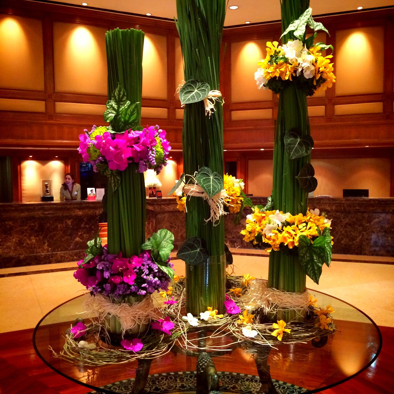 Hotel lobby Fresh flowers arrangements, Large flower