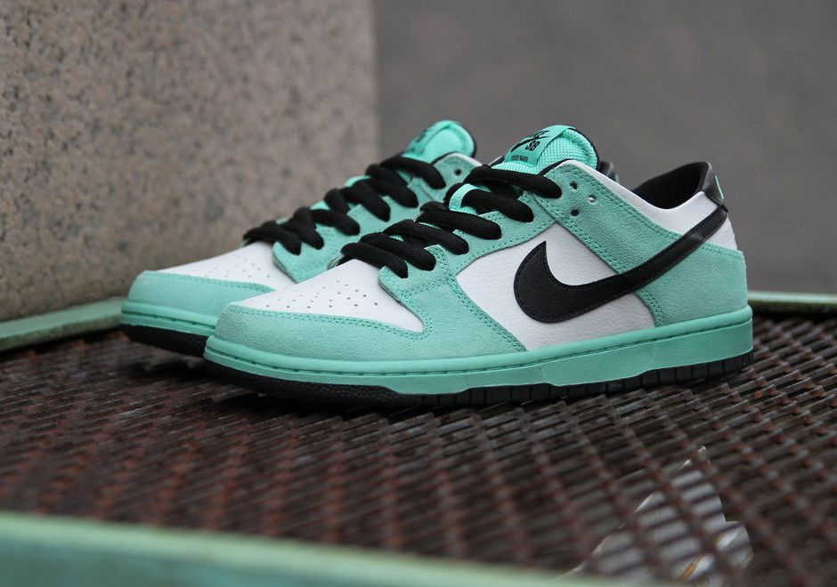 991fc6e24809 Get Your Hands On The Nike SB Dunk Low Sea Crystal Now