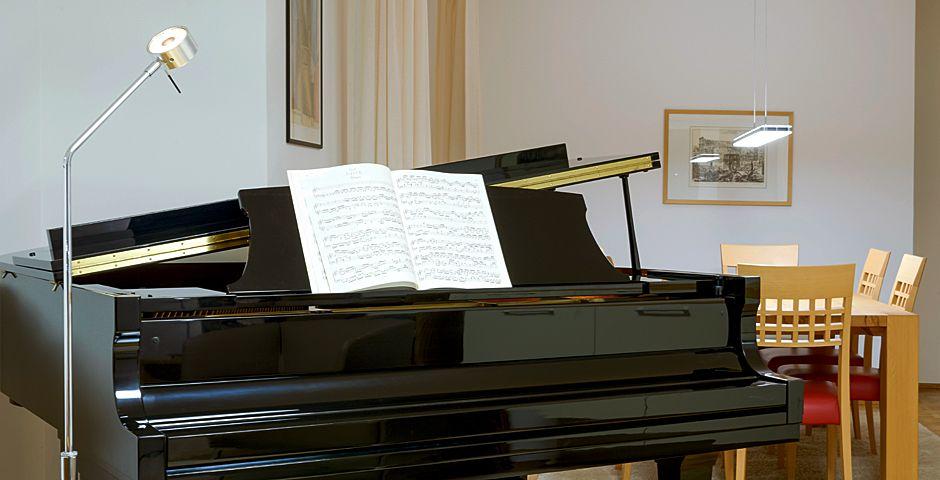KLAVIER LAMPE PIANO LEUCHTE KLAVIER LEUCHTE SCHREIBTISCH LAMPE PIANO BELEUCHTUNG