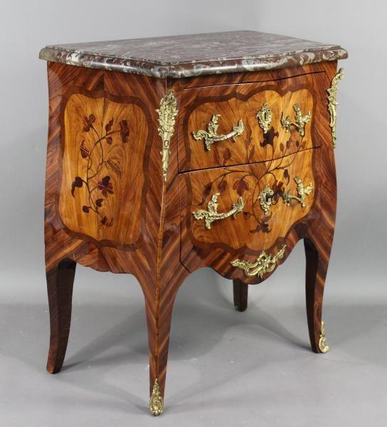 9056d3d1eed Petite commode Louis XV galbée toutes faces à deux tiroirs sans traverse