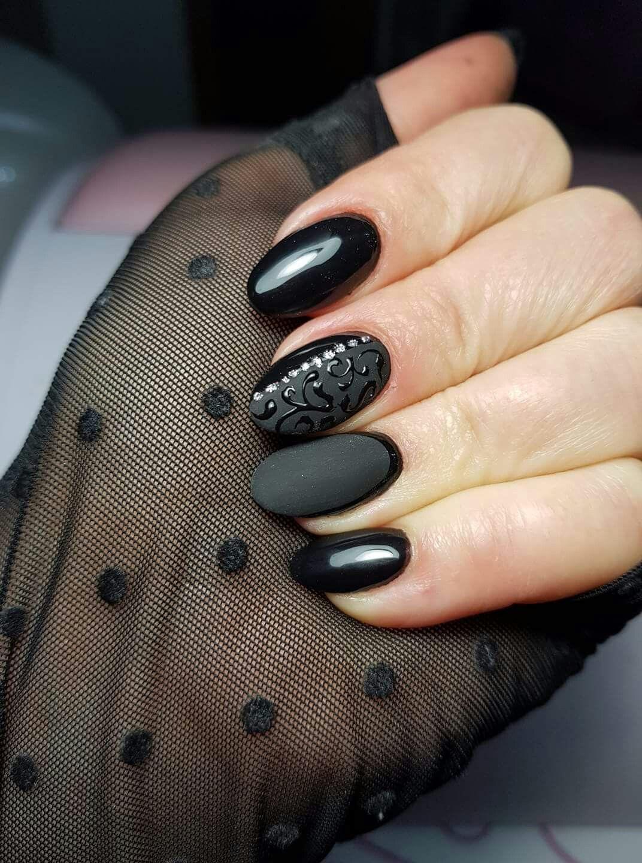 Nero nero opaco ghirigori Nail Designs, Nail Desings, Nail Design, Nail Art  Ideas
