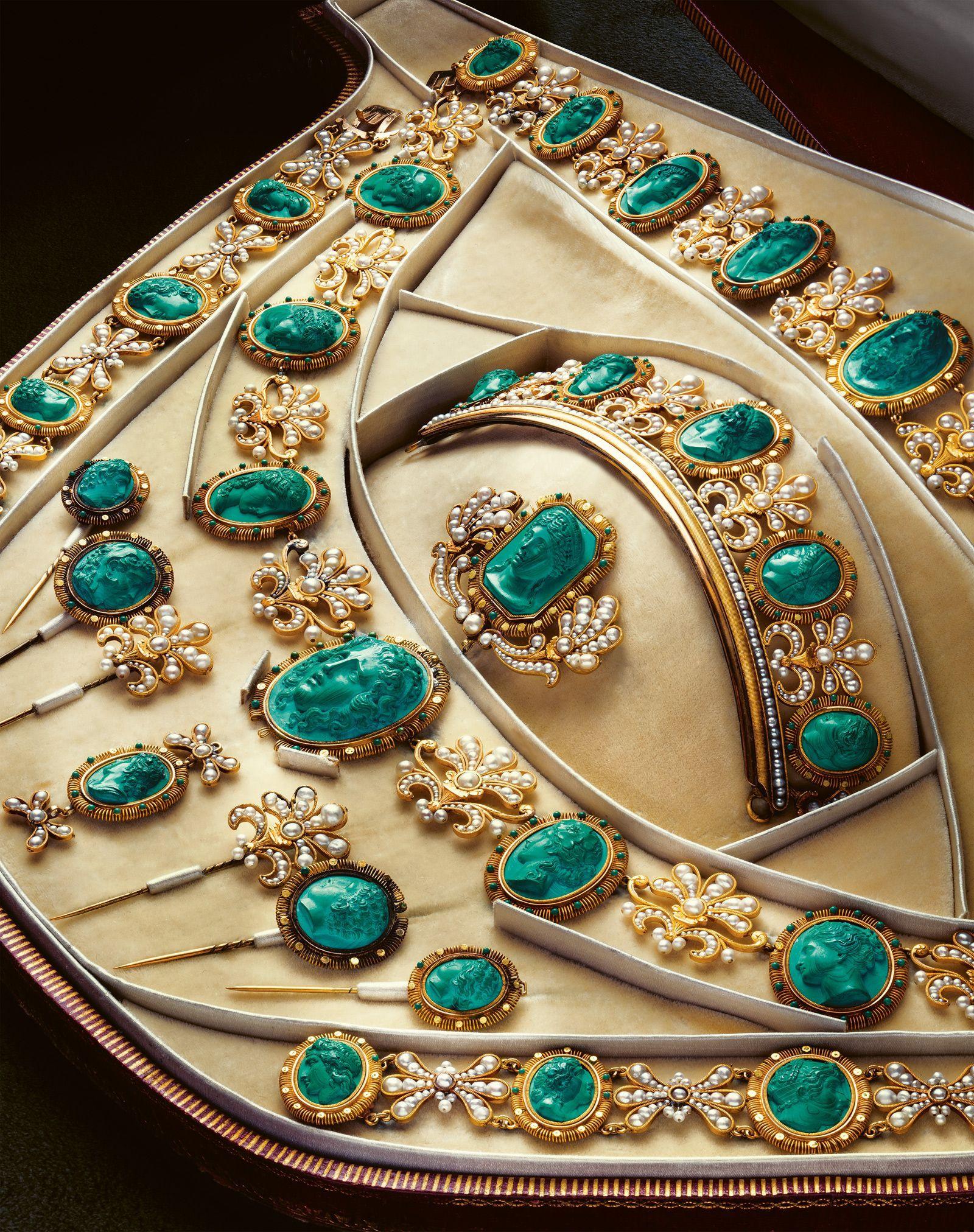 2d1c74365 Empress Josephine's Malachite Parure | Jewels in 2019 | Jewelry ...