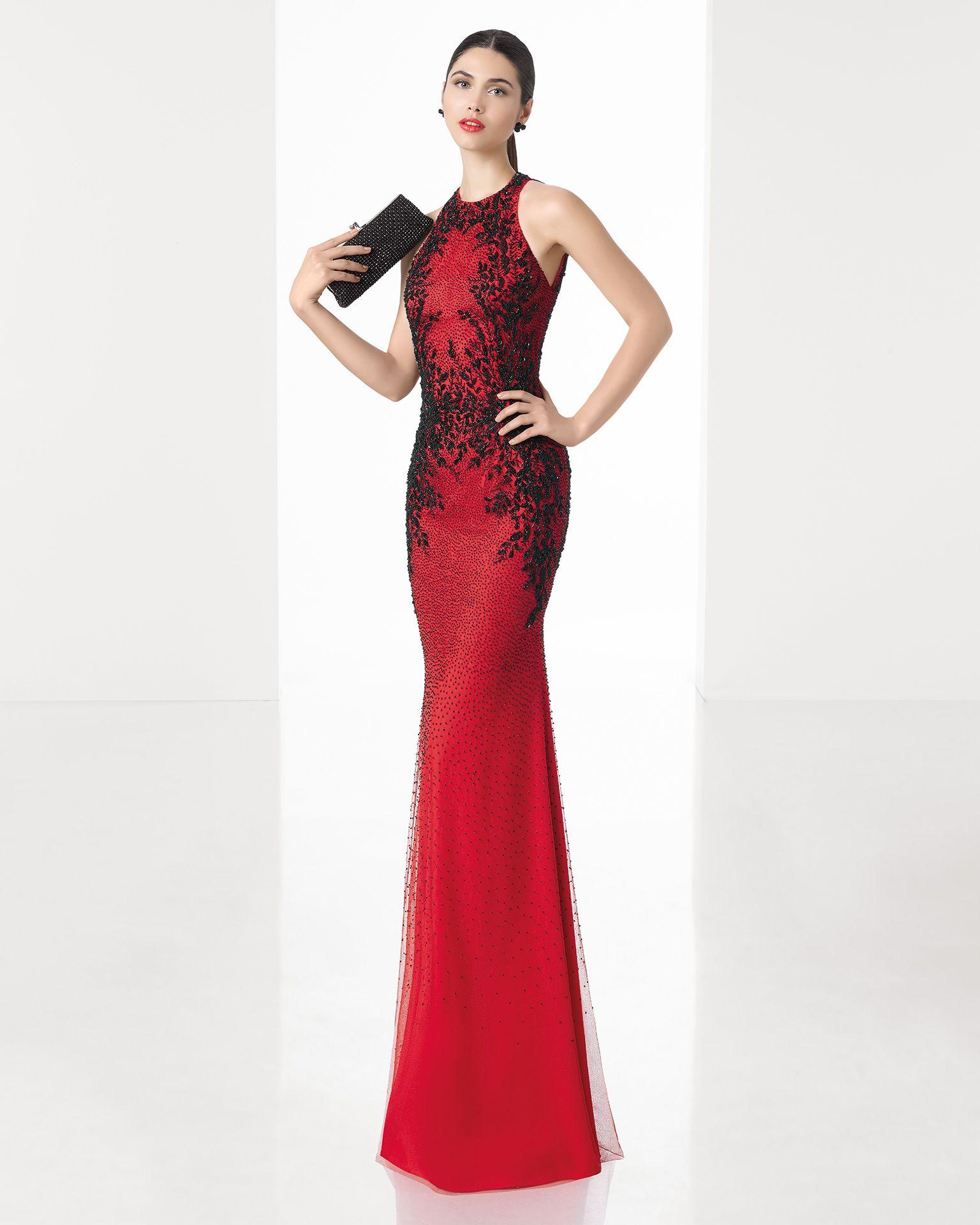 Largo Sirena Vestido Bordado Espalda Color Y Con Pedrería Beige Complementado Humo Rojonegro Chal En Baja dqHgHw