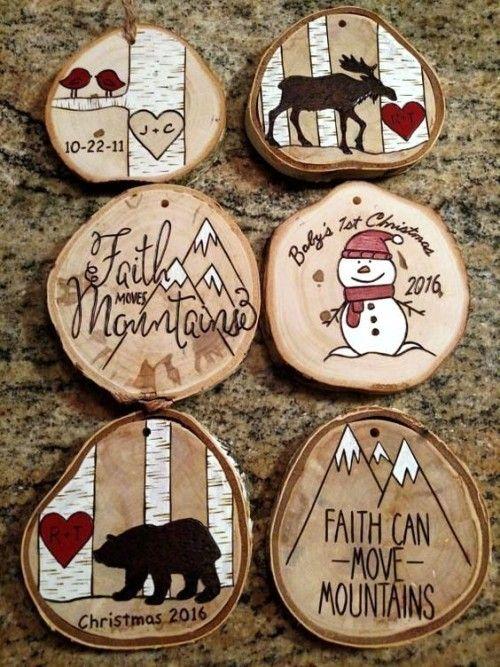 35 Ideen zum Basteln mit Holzscheiben: kreativ und naturnah zu Weihnachten dekorieren - Wohnideen und Dekoration #kleineweihnachtsgeschenkebasteln
