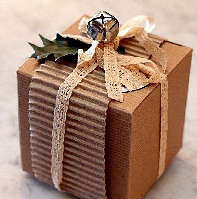 Bom Dia! A vida é um presente valioso. E falar em presentes olha que embrulho legal que você pode fazer para o #Natal ! Tem mais no #SimplesDecoracao  viu? Link no perfil