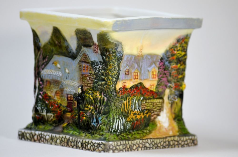 "Thomas Kinkade porcelain sculpted square candle holder ""Painter of light"""