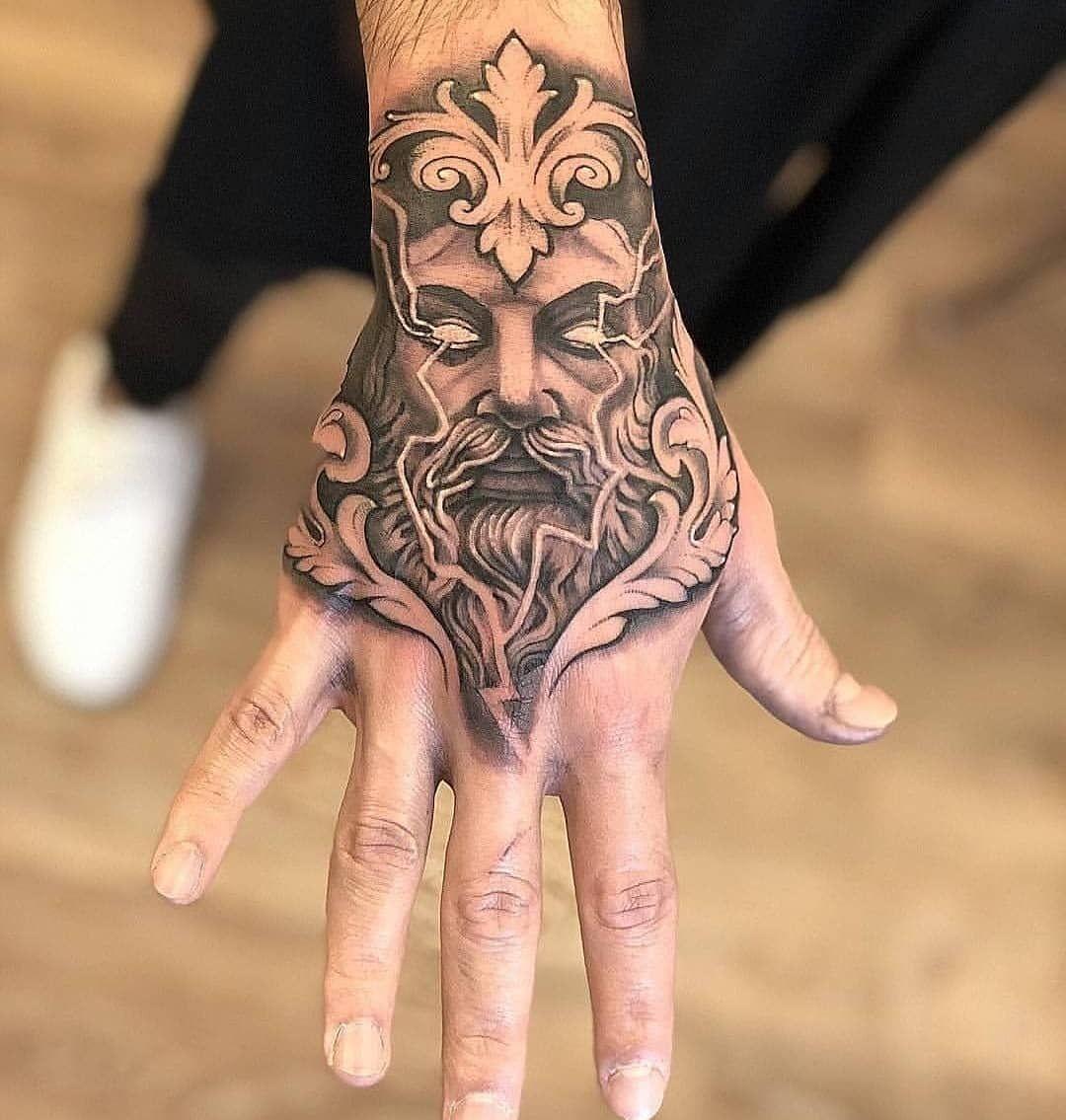 Tatuajes Tattoos En Instagram Siguelos Tatuajespicswomen Tatuajespicsmen Tatuajes En La Mano Tatuajes En La Mano Para Hombres Tatuaje De La Mano