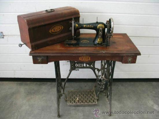 Maquina de coser Köhler muy antigua con tapa original