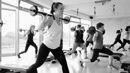 #fitnesstrampolinübungen #bauchbeinepotrainer #fitnessstudioaltona #fitness #glamor #glanz #heiß #ei...