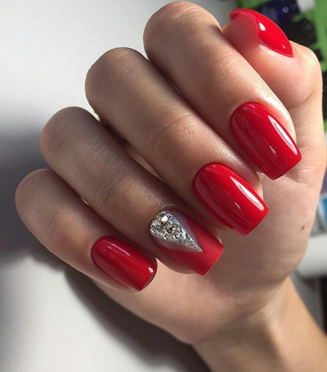 Stunning 38 Trendy Red Nails For Holiday 2019 Http 101outfit Com Index Php 2018 10 20 38 Trendy Red Nails For Ho Red Gel Nails Red Acrylic Nails Simple Nails