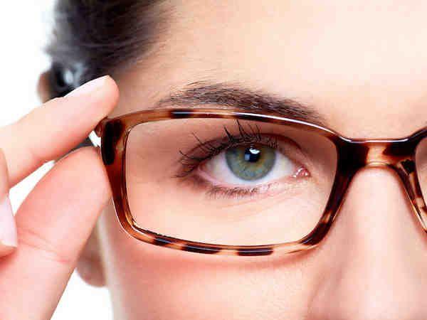 Silmälasit ja silmämeikki  a5406588b8