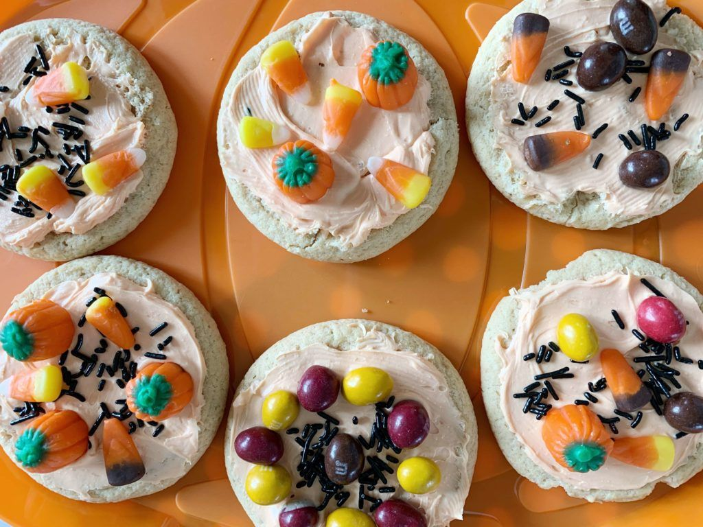 How to Host a Halloween Cookie Decorating Party for Kids ...
