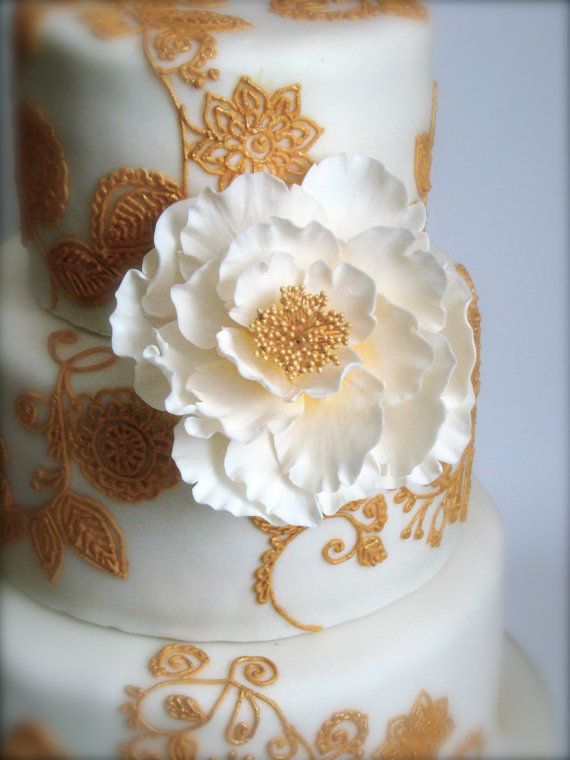 Hand Crafted Large Sugar Flower Cake Topper By Boutiquecakeshop 30 00 Sugar Flowers Sugar Flowers Cake Ivory Wedding Cake