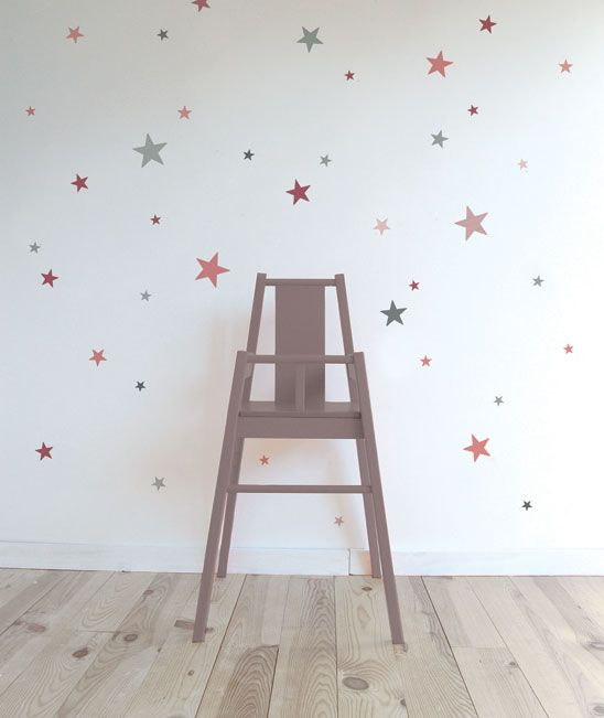 Adhesivos de estrellas de diferentes tama os y colores for Decoracion paredes habitacion bebe nina