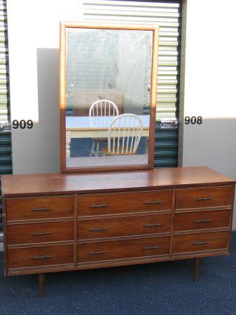 Best Vintage Mid Century Dixie 9 Drawer Dresser With Mirror 640 x 480