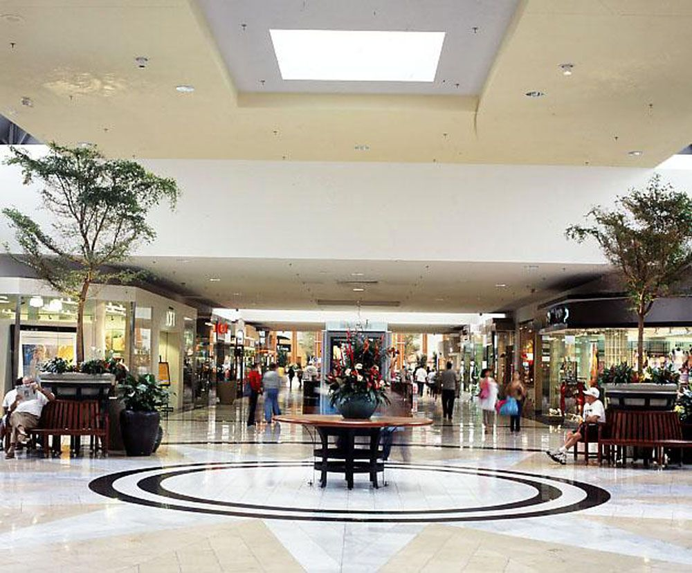 International Plaza is the most distinctive shopping and dining destination of Florida's West Coast, featuring specialty stores and 16 restaurants, plus Neiman Marcus, Nordstrom, Dillard's, and Renaissance Tampa Hotel International Plaza.
