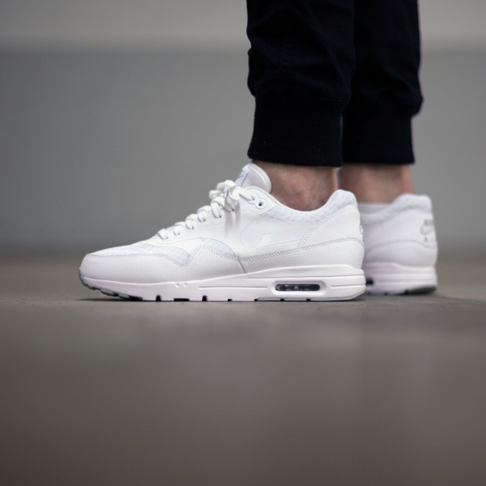 nike wmns air max 1 ultra essential triple white nmds
