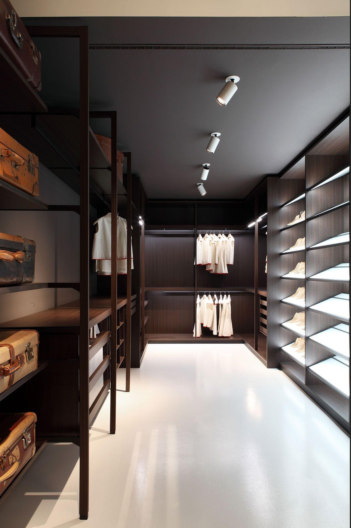 Porro Walkin Closet Systems, Pehaps The Most Flexible In Terms Of The Mix  Of Type And Size. Infinite Possibilities