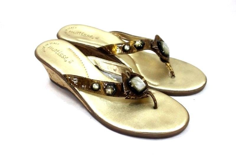 50aea7e5a8f Matisse Wedges Thong Sandals Size 8.5 Gold Brown Beaded Strap Made In Italy   Matisse  FlipFlops