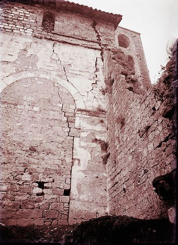 Ascoli com'era: chiesa di Santa Maria Inter Vineas, un particolare prima di ripristino e restauro (1939)