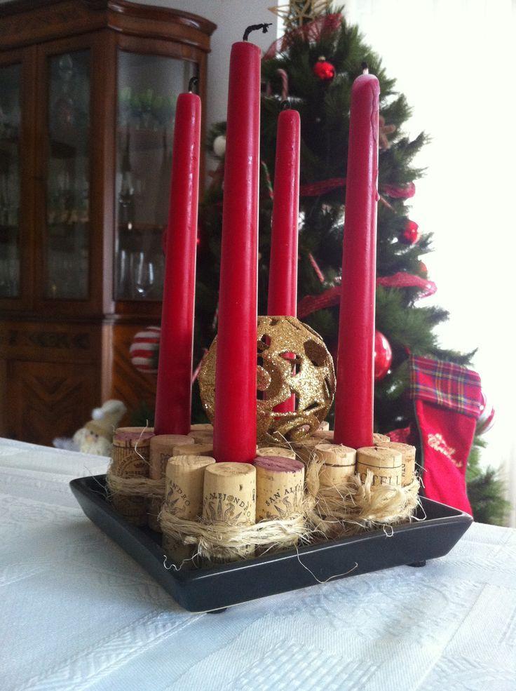 Adornos navide os hechos con corchos de vino http icono - Adornos de mesa navidenos ...