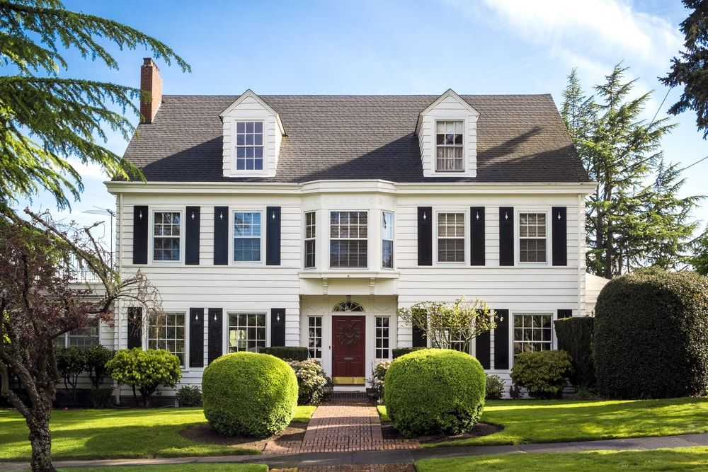 101 House Exterior Ideas Photos And Extensive Guides Suburban House American Houses House Styles