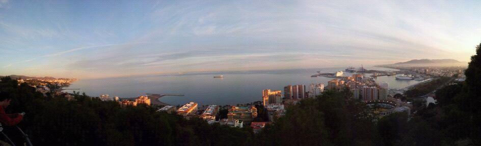 Vistas de la bahía malagueña desde el castillo de Gibralfaro