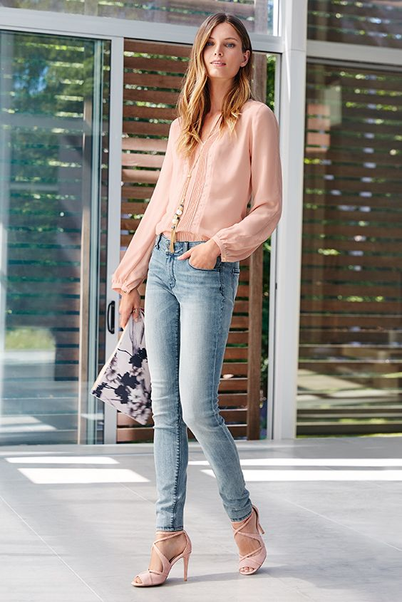 4288e001134ed Pink blouse with denim skinny jeans
