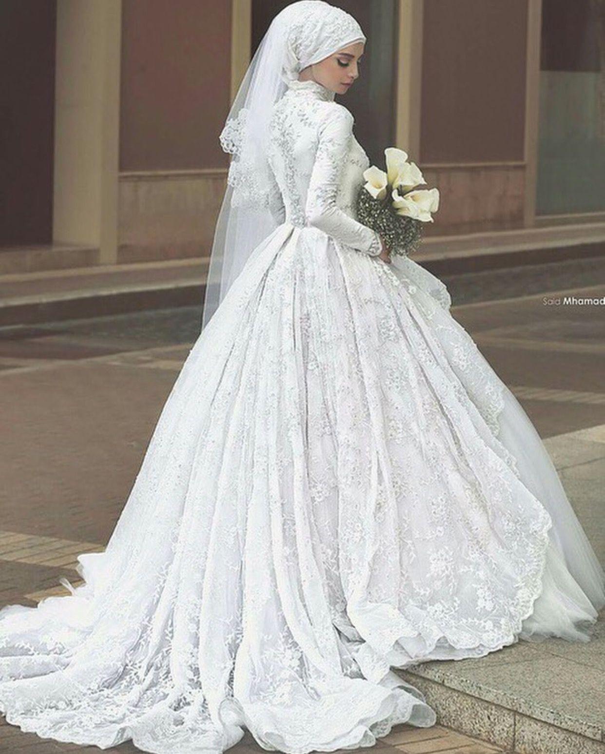 Pinterest: @adarkurdish  Hochzeitskleid, Hijab hochzeitskleider