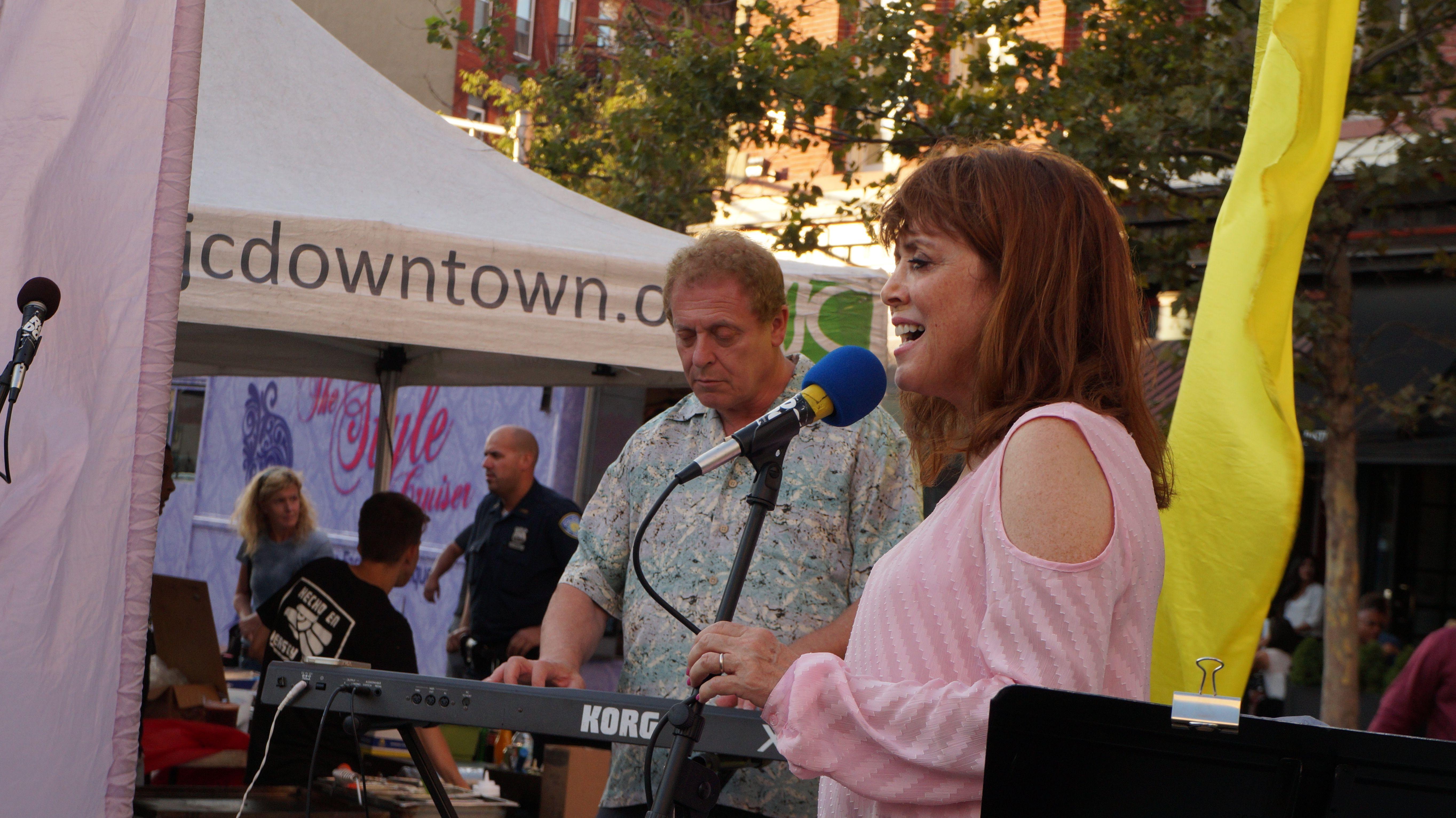 Groove on Grove (Aug. 13, 2014)