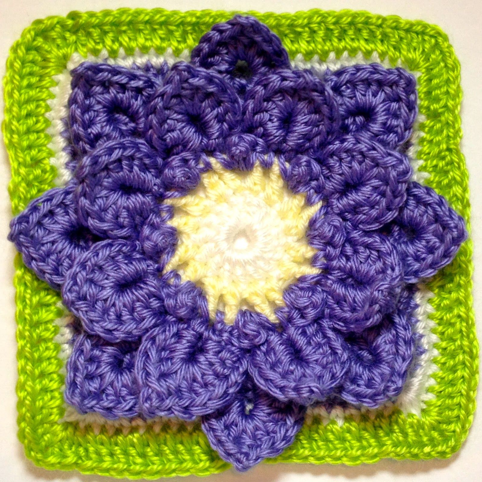 I AM...CRAFTY!: January 2014   Häkeln im Quadrat   Crochet ...
