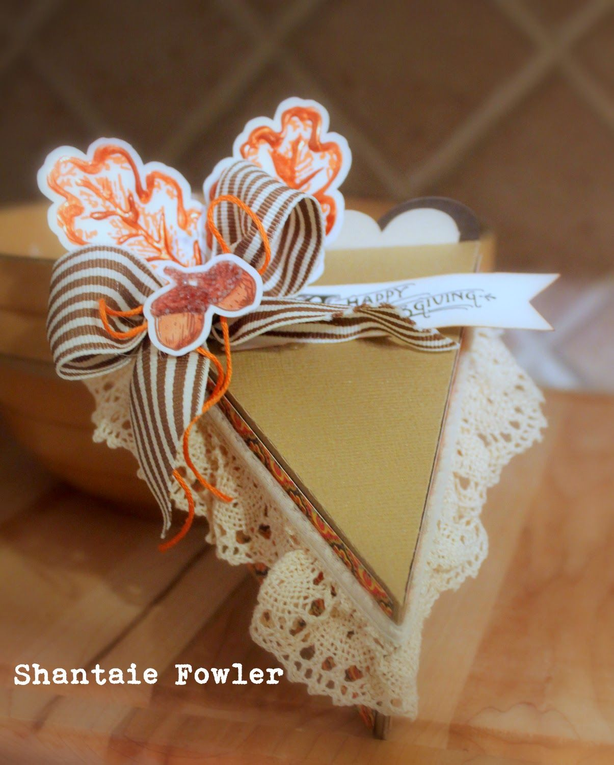 inkingpink: Thanksgiving Pie To Go box created with my Silhouette