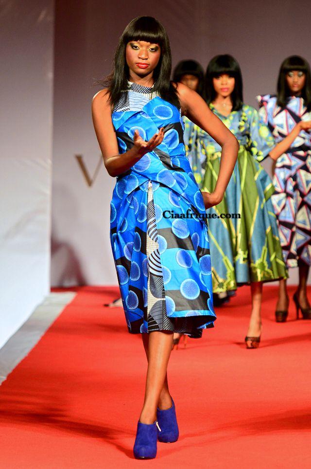 VLISCO FASHION SHOW COTONOU (BENIN) 2012 | CIAAFRIQUE ™ #AfricanWeddings #Africanprints #Ethnicprints #Africanwomen #africanTradition #AfricanArt #AfricanStyle #AfricanBeads #Gele #Kente #Ankara #Nigerianfashion #Ghanaianfashion #Kenyanfashion #Burundifashion #senegalesefashion #Swahilifashion DKK