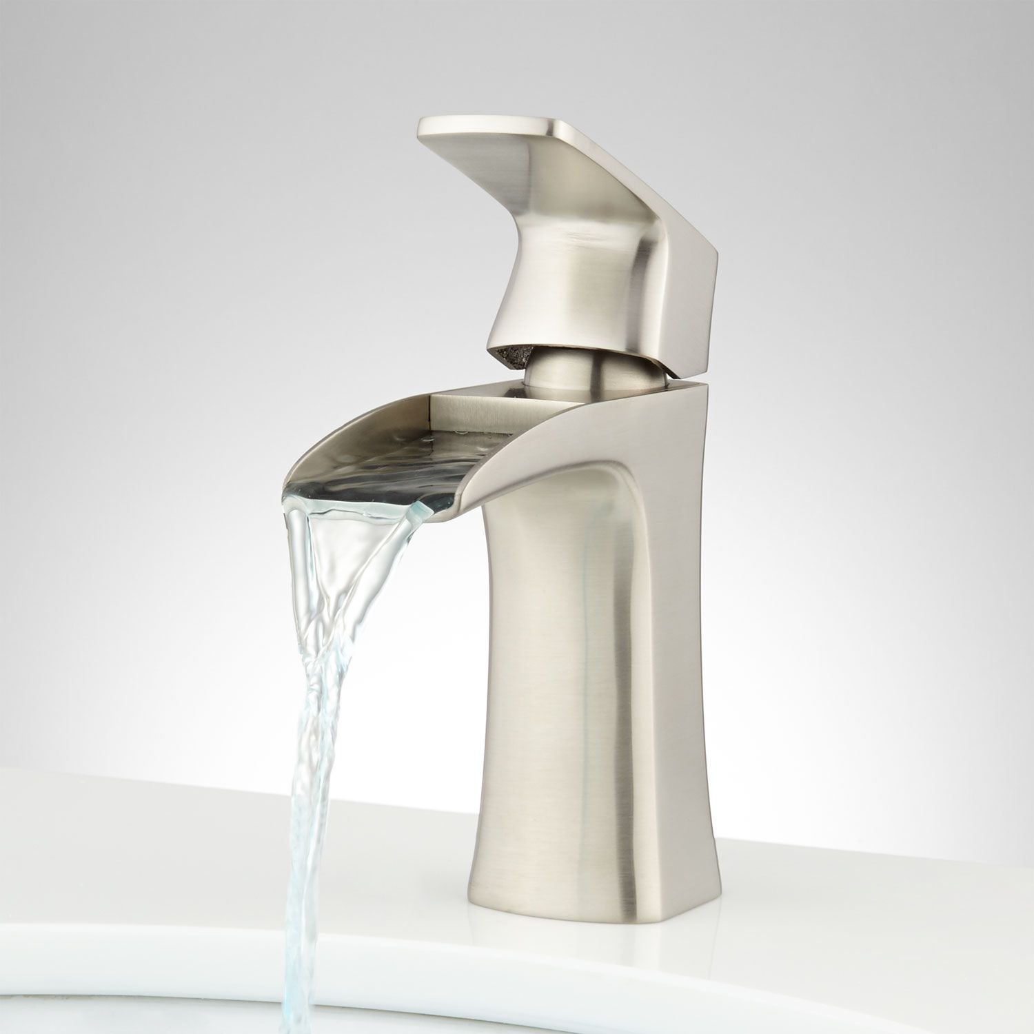 Quintero Single Hole Waterfall Faucet