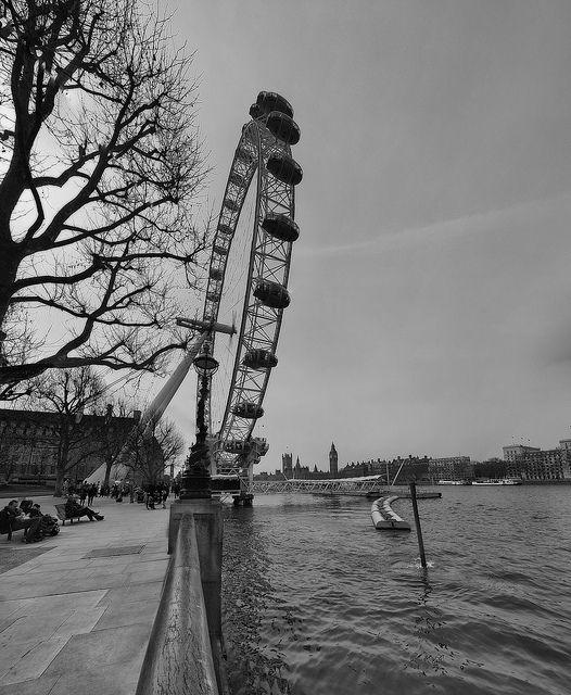 OJO DE LONDRES | the London Eye gets work