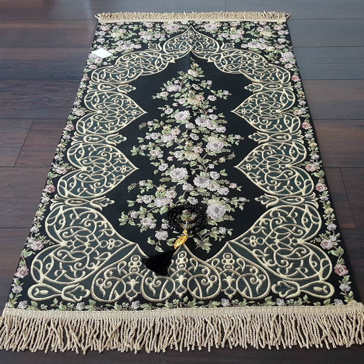 Royal Sejadah Luxury Prayer Mat Prayer Rug Janamaz Royal Sejadah Shop In 2020 Prayer Rug Muslim Prayer Mat Prayer Mat Islam