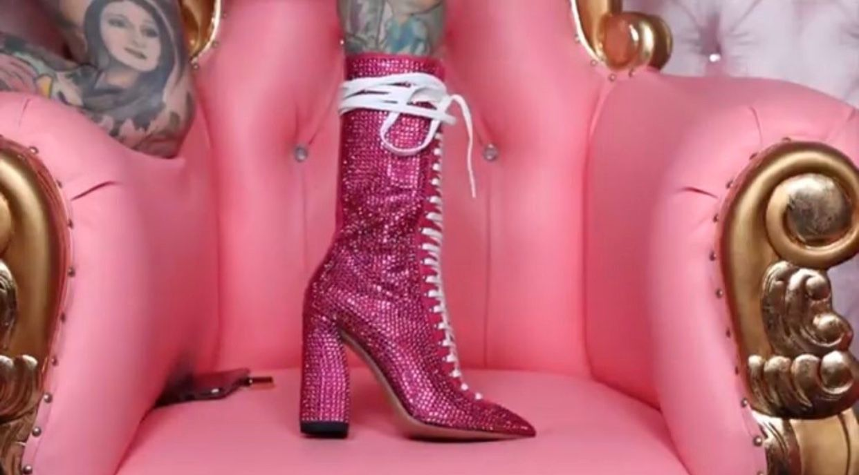 0562b3c8e jeffree star's custom pink gucci boots   shoes   Gucci boots, Boots ...