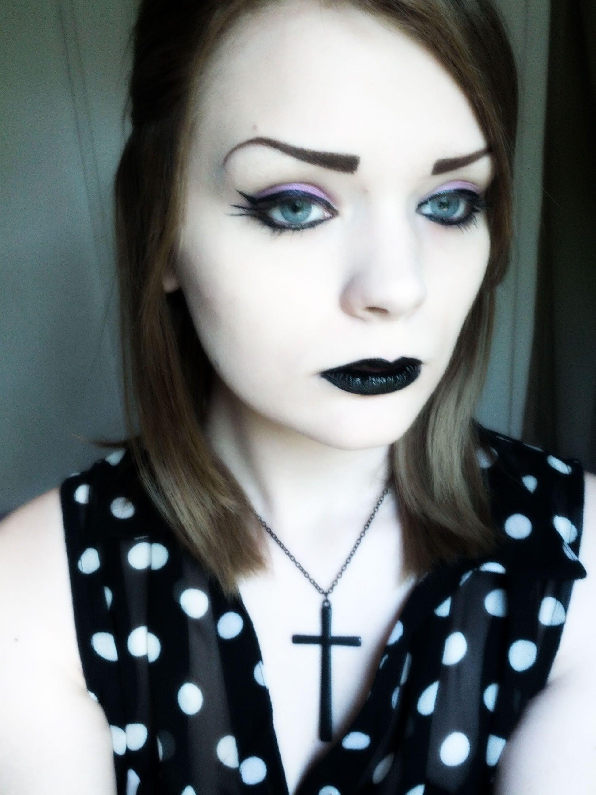 Pastel goth grunge goth gothic makeup Gothic beauty
