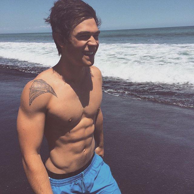 boys on Instagram: hi | Riverdale archie, Apa, Riverdale