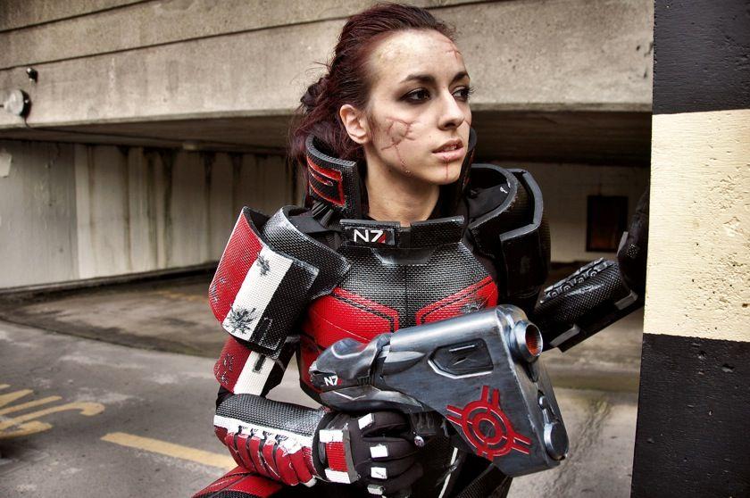 Geek Cosplay Mass Effect Female Commander Shepard News