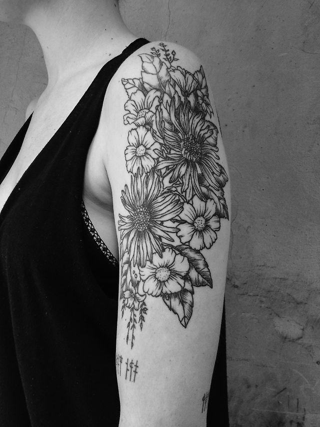 Flower tattoo Alice carrier