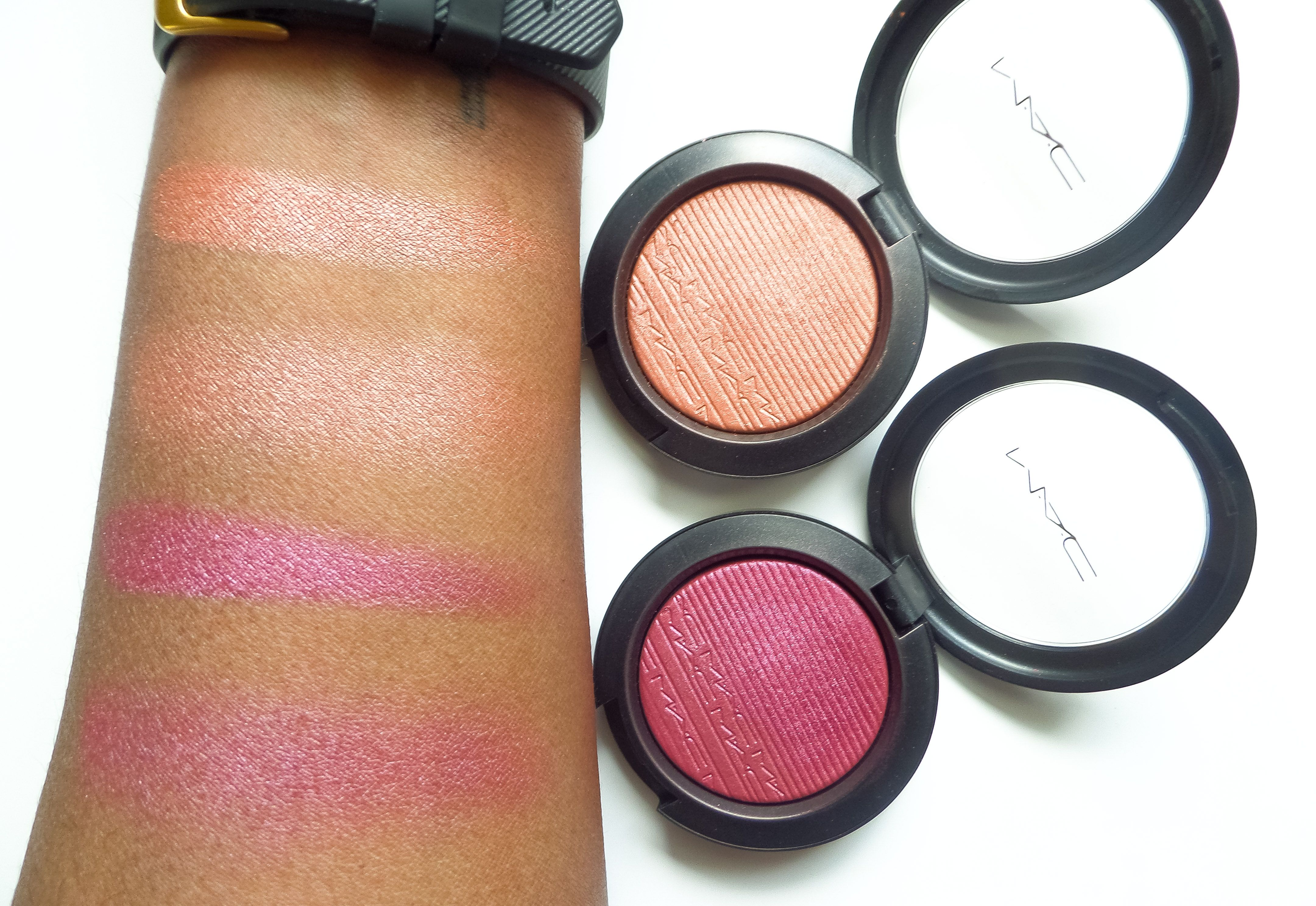MAC Cosmetics Extra Dimension Blush Swatches in Hushed